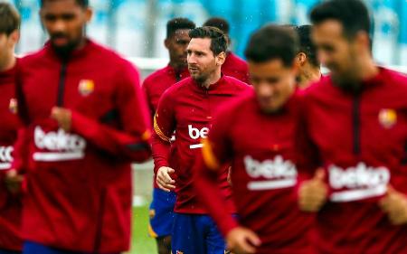 Messi komanda ilə məşqlərə başladı -
