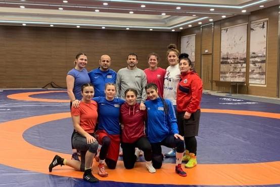 Güləşçilərimizin Kiyev toplanışı -